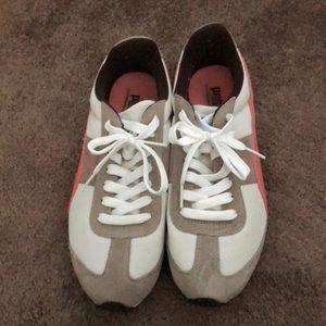 Puma speeder shoes